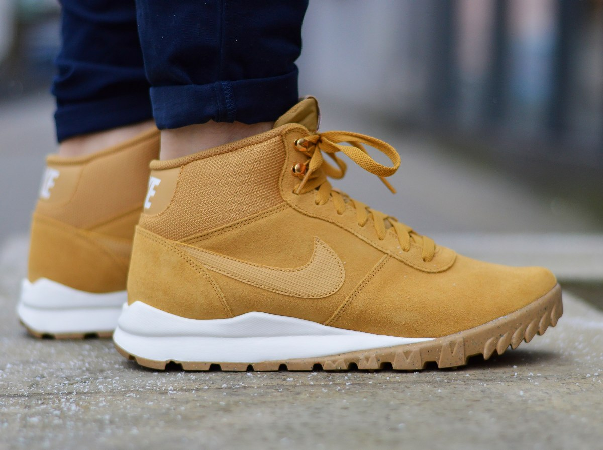 Details about Nike Hoodland Suede 654888 727 Men's Boots